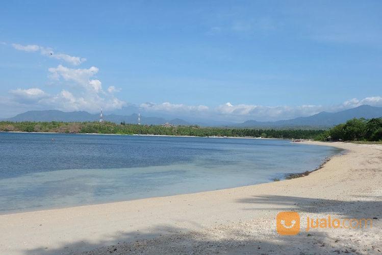 tanah cantik tepi pantai sire lombok utara