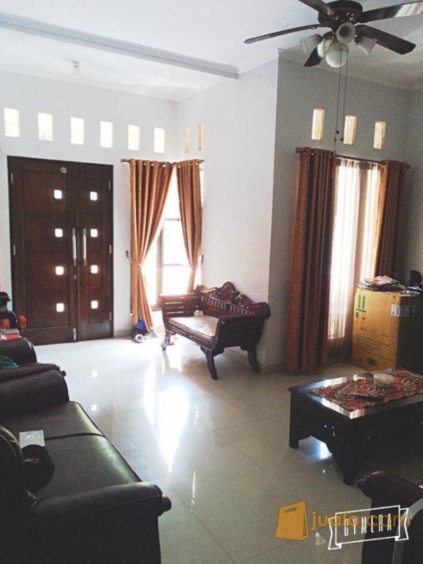 Dijual rumah 2 lantai properti rumah 2220384