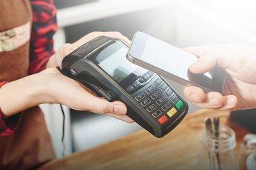 Perkembangan & Keuntungan Transaksi Cashless dalam Proses Bisnis