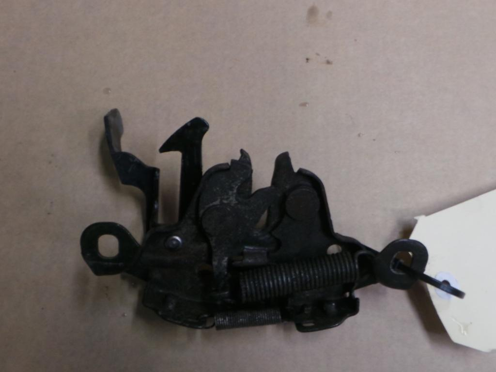View Auto part Bonnet Lock/Support Nissan Pulsar 2003