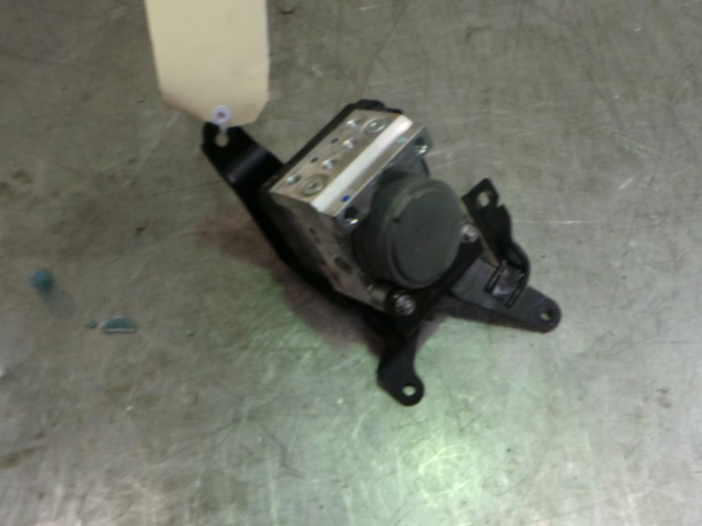 View Auto part Abs Pump/Modulator Mitsubishi Triton 2010