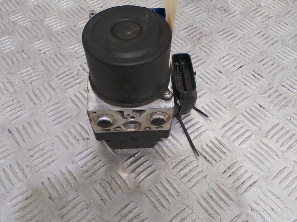 View Auto part Abs Pump/Modulator Mitsubishi Triton 2011