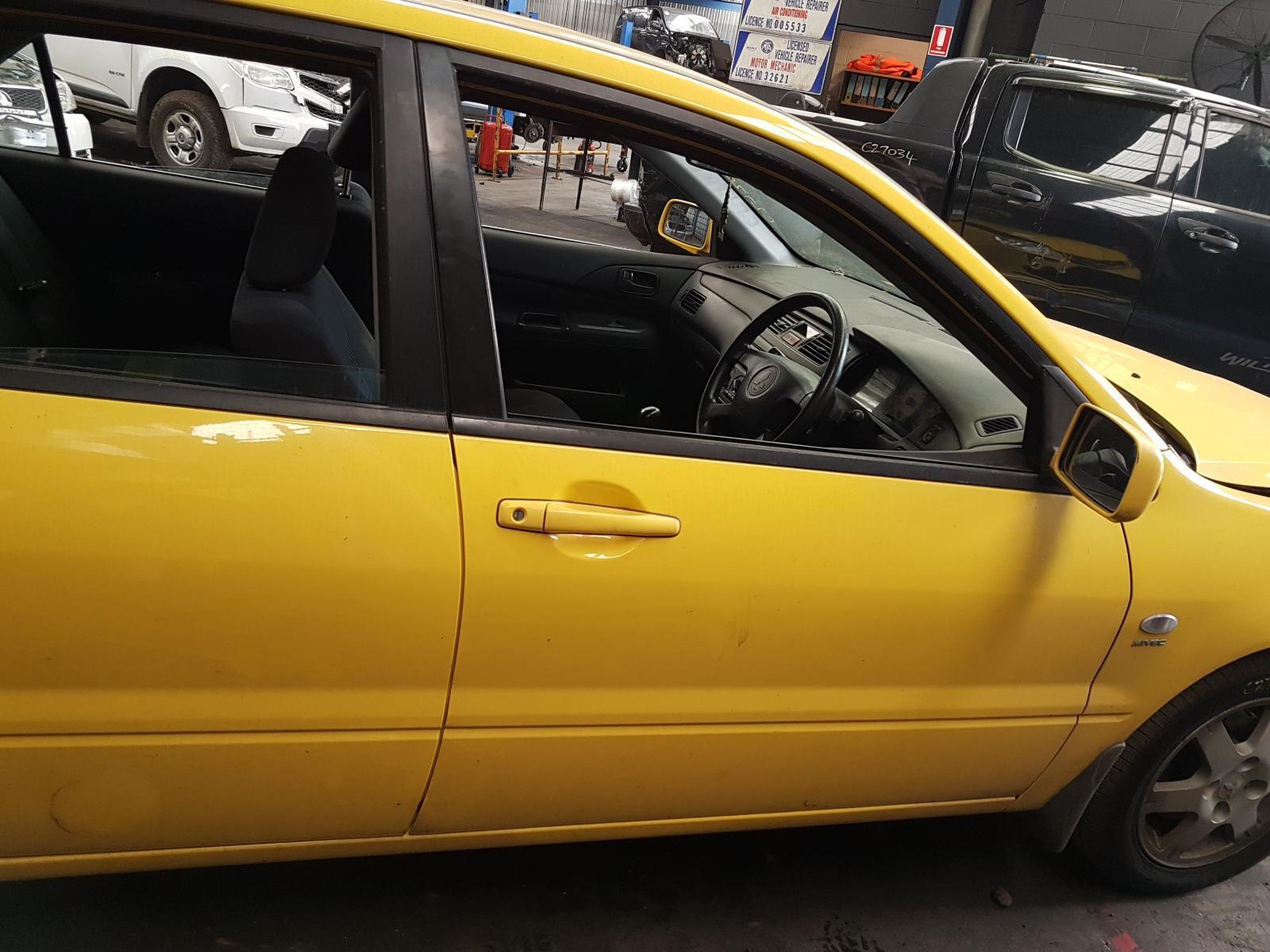 View Auto part Right Front Door Mitsubishi Lancer 2006