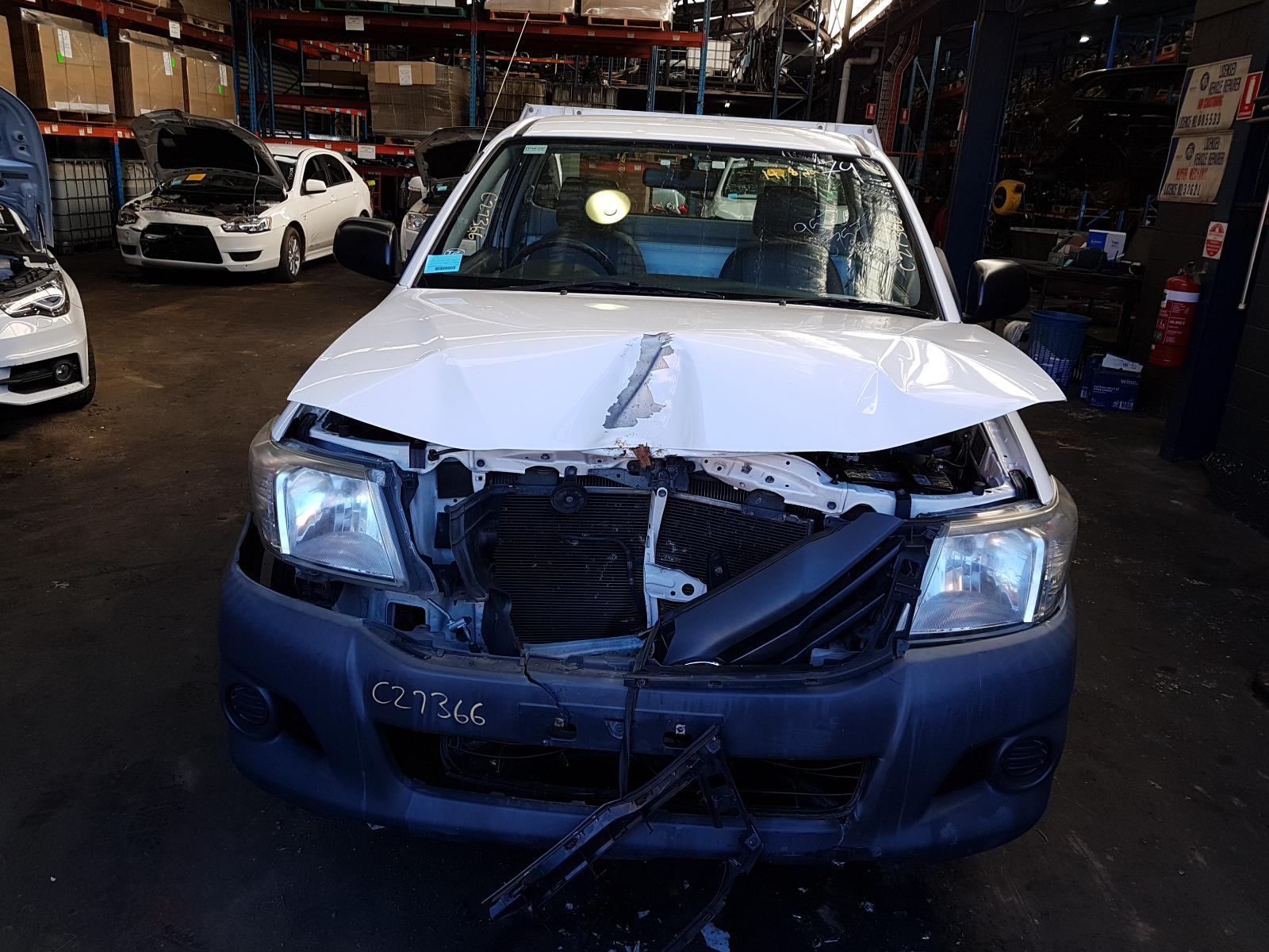 View Auto part Trans/Gearbox Toyota Hilux 2013