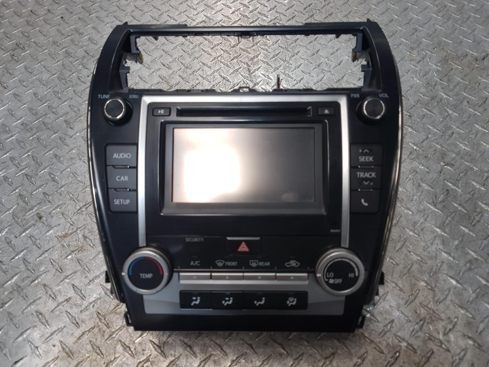 View Auto part Radio/Cd/Dvd/Sat/Tv Toyota Camry 2014