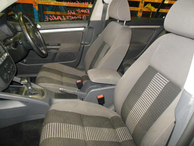 View Auto part Bonnet Hinge/Strut Volkswagen Golf 2008