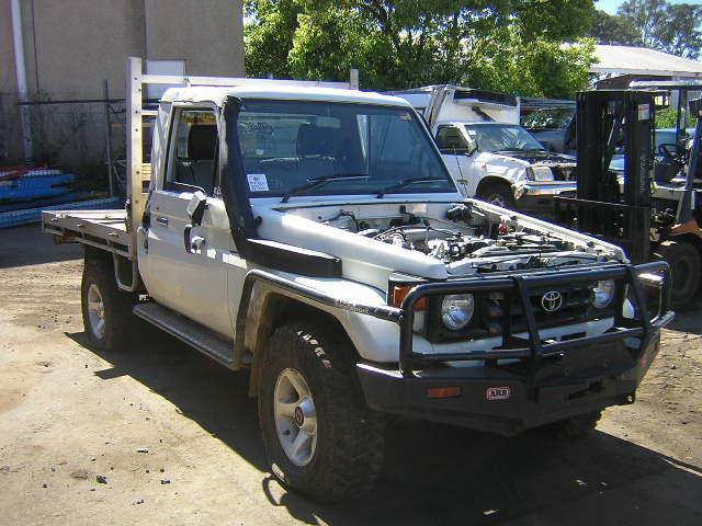 View Auto part Radio/Cd/Dvd/Sat/Tv Toyota Landcruiser 2001