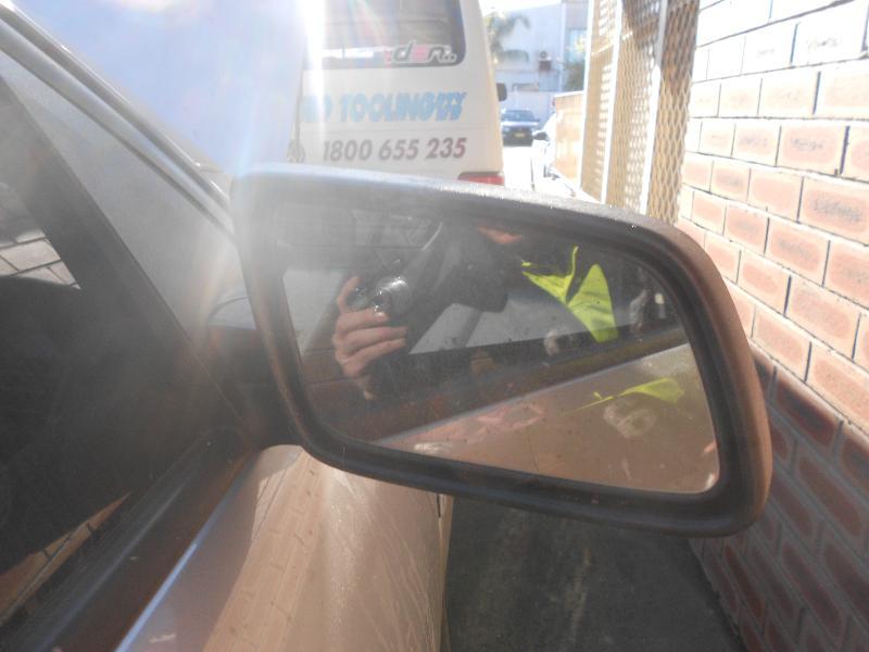 View Auto part Bonnet Hinge/Strut Holden Commodore 2008