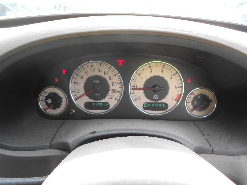 View Auto part Bonnet Hinge/Strut Chrysler Voyager 2002