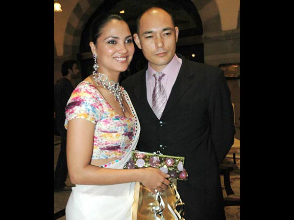 KELLY DORJEE AND LARA DUTTA1