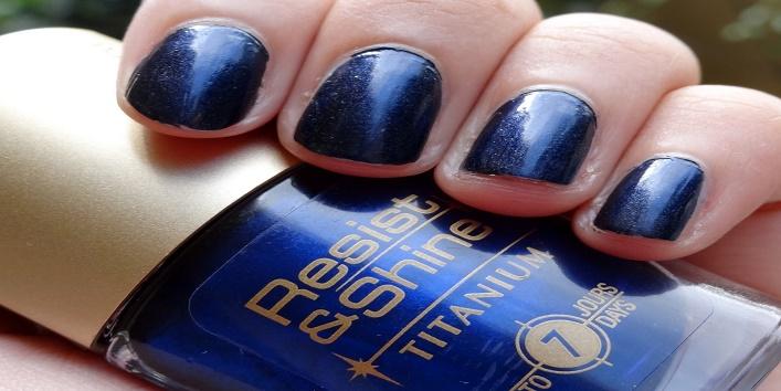 L'Oréal Resist and Shine Titanium Nail Paint