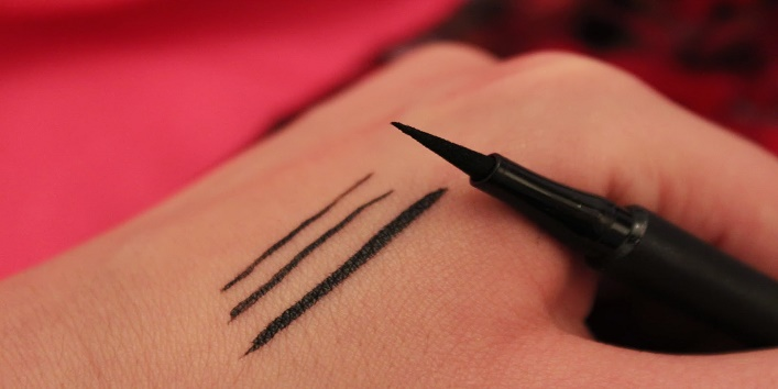 L'Oreal Super Liner Perfect Thin swatch