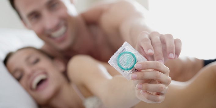 These are the 4 Side Effects of Condom You Might Not Be Knowing!