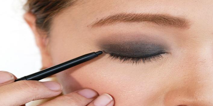 Eyeliner Tricks1