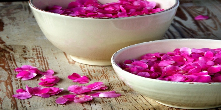use-rose-water-for-beauty4