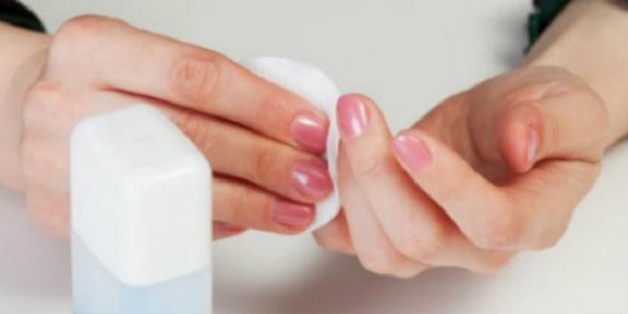 nail-paint-last-longer-1