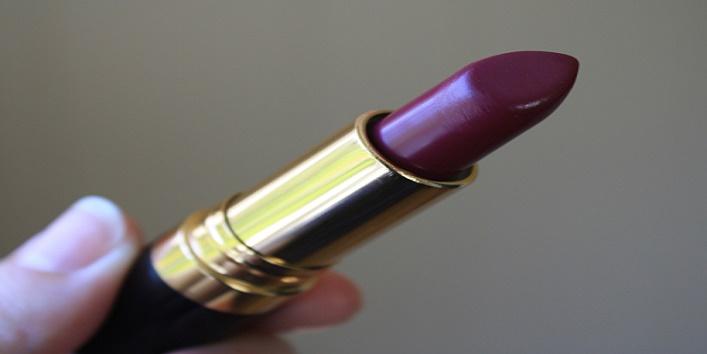 dark-lipstick-for-this-wedding-season-4