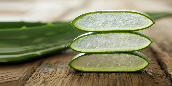 Aloe Vera gel for its anti-inflammatory properties to sooth redness and itching