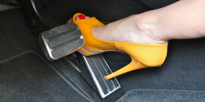 Avoid driving with heels