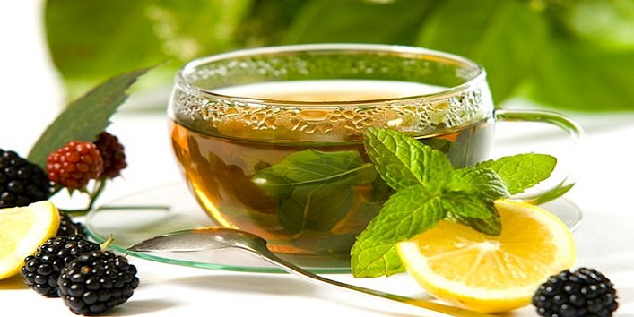 Lemon juice and green tea