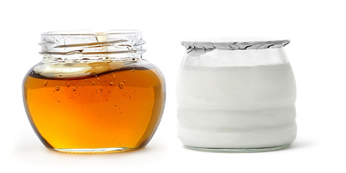 Honey-and-yogurt-to-get-a-flawless-skin