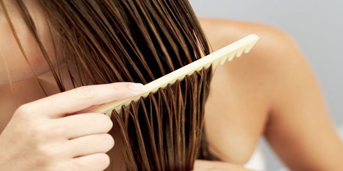 De-tangle your hair in the right way