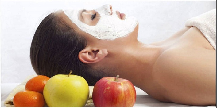 Apple face pack for radical free skin