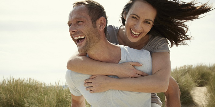 Things-Happy-Couples-Never-Do