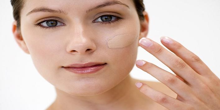 Hacks-to-Apply-Makeup-on-Dry-Skin-4