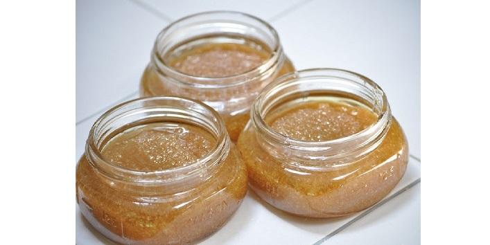 Brown sugar and olive oil scrub