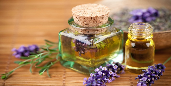 Lavender essential oil to protect your skin