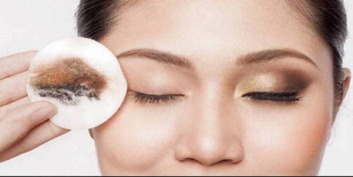 Abrasive makeup removal