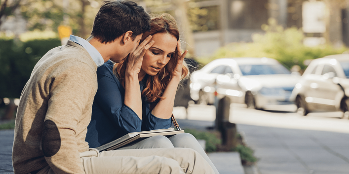 Signs That Prove Your Partner Is Manipulative