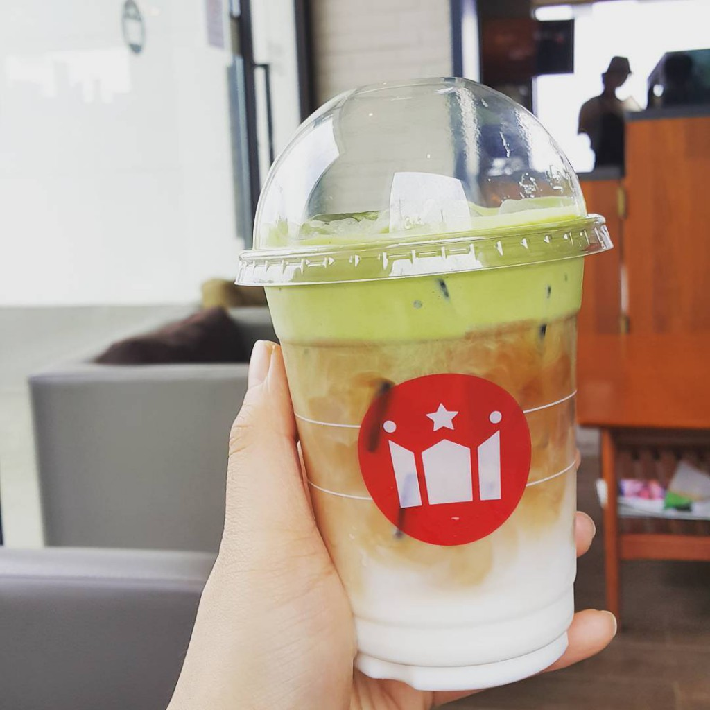 hollys coffee 6