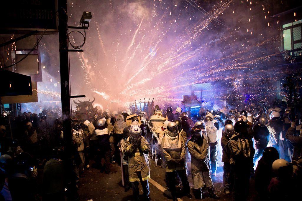 Yanshui-Fireworks-Festival-Kesari-Tours
