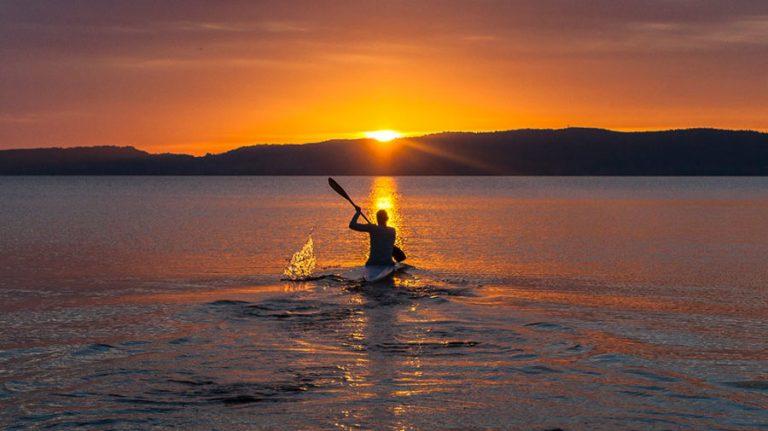 paddling-midnight-sun-Kesari-Tours1