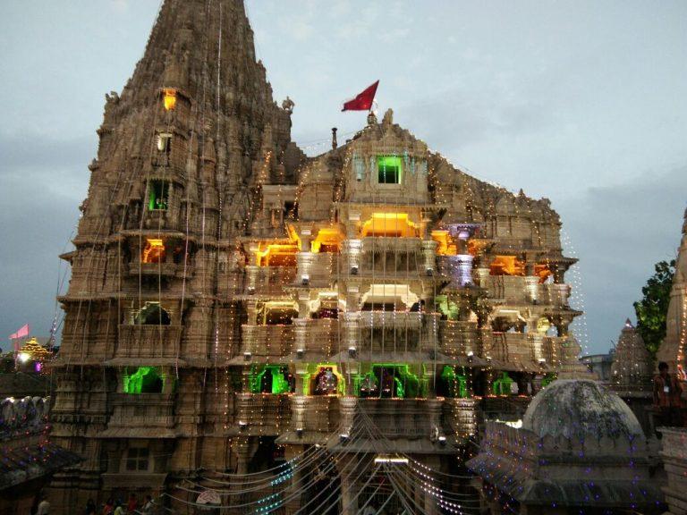 Dwarka-Temple-Kesari-Tours