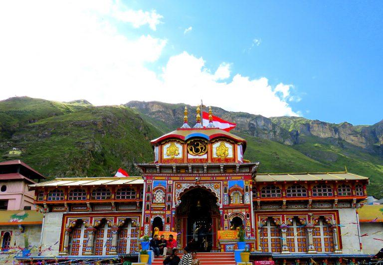 Badrinath-temple-Kesari-Tours