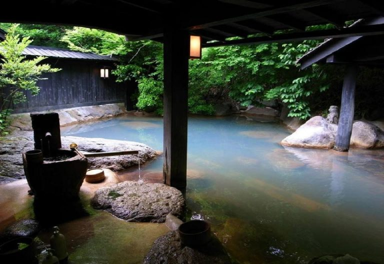 Tateyama-Onsen-Bath-Kesari-Tours