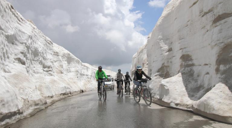 Rohtang-Pass-Kesari-Tours
