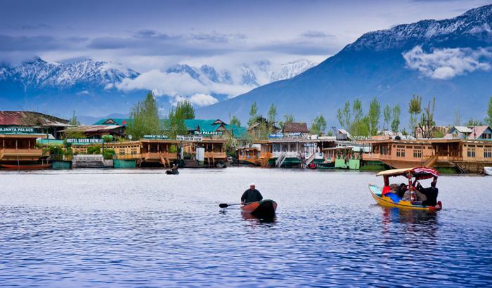 Dal-Lake-Kesari-Tours