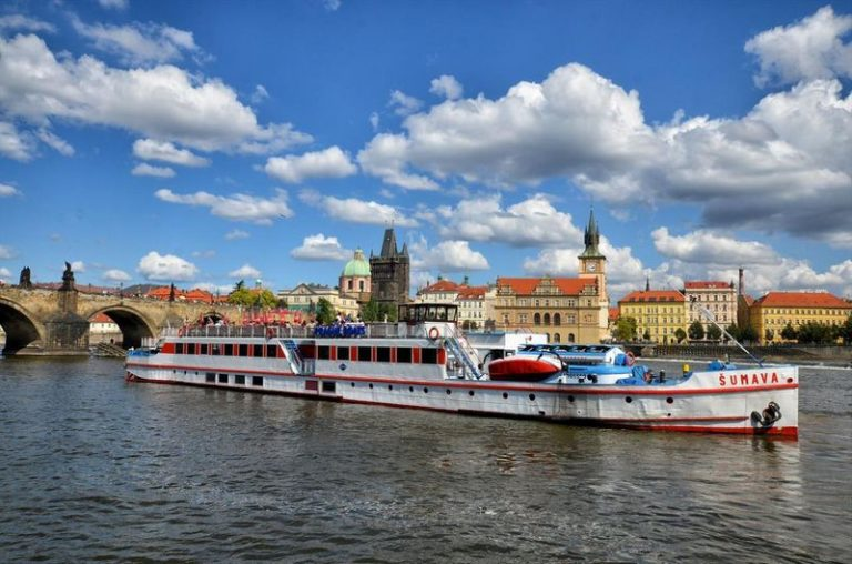 Cruise on the River Vltava | things to do in prague with kesari tours