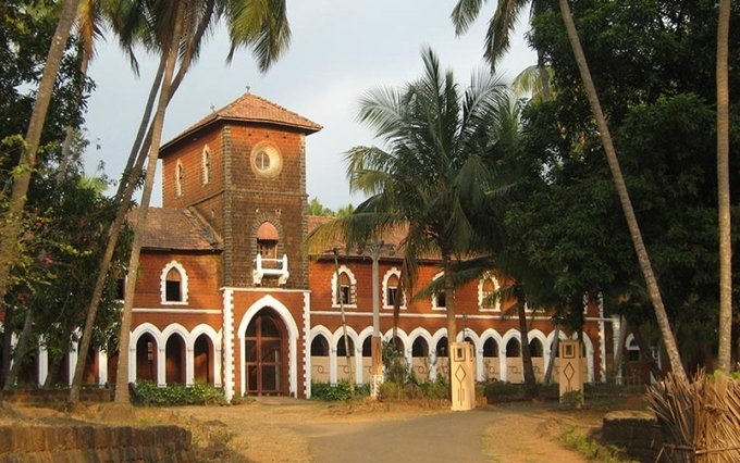 sawantwadi-royal-palace-kesari-tours | Places to visit near Chipi Airport in Sindhudurg