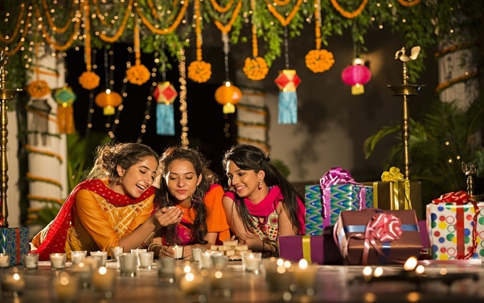 diwali-celebration-with-enlightened-homes-and-new-clothes-kesari-tours  | diwali celebration