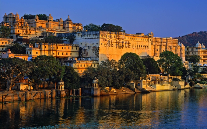 City Palace | Rajasthan Tourist Places | Kesari tours