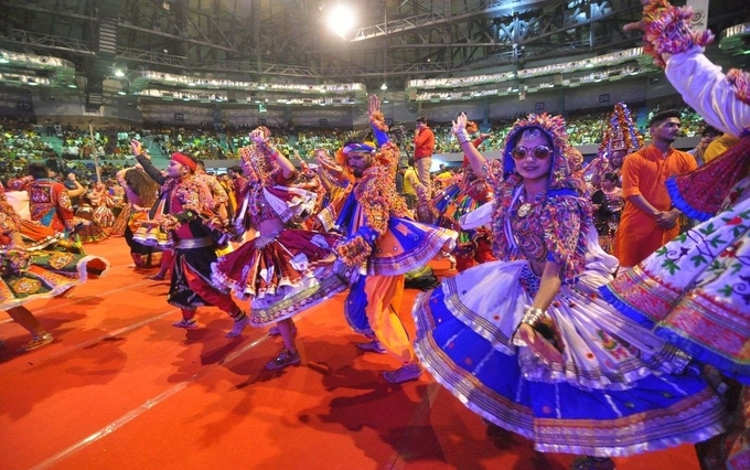 celebrations of navratri in gujarat - CELEBRATIONS OF NAVRATRI IN INDIA