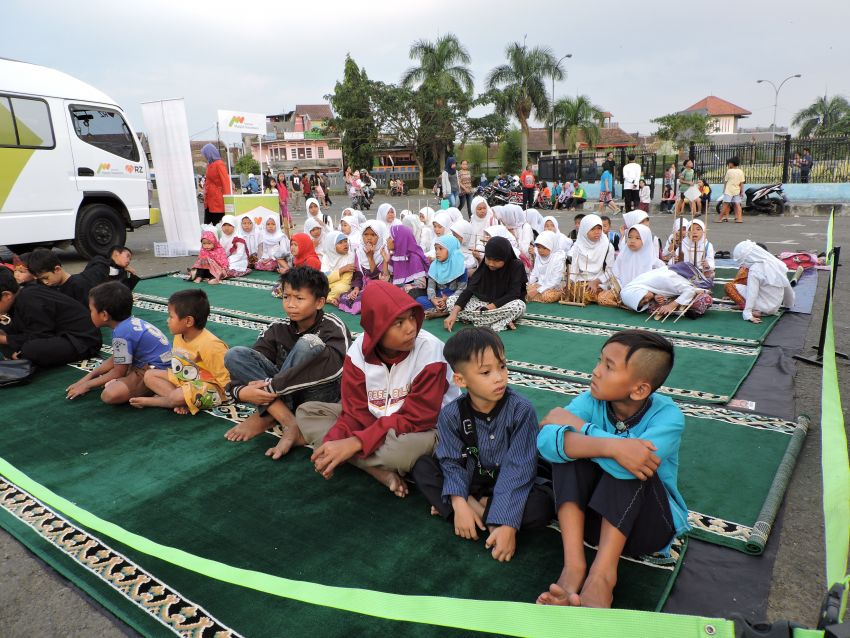Ta'jil On The Road di Gasibu Bandung