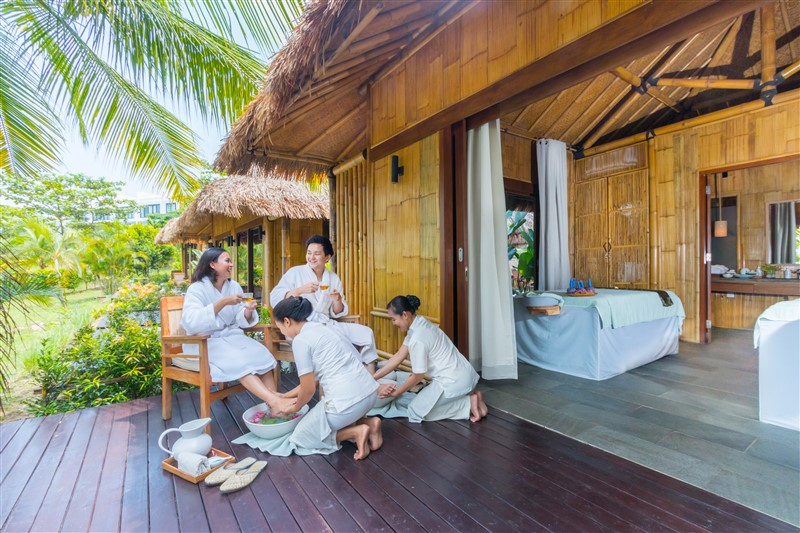 [Batam] Montigo Resort + Ferry! BEST Deal on ASIA'S TOP 5-Star Resort with  PRIVATE Infinity Pool