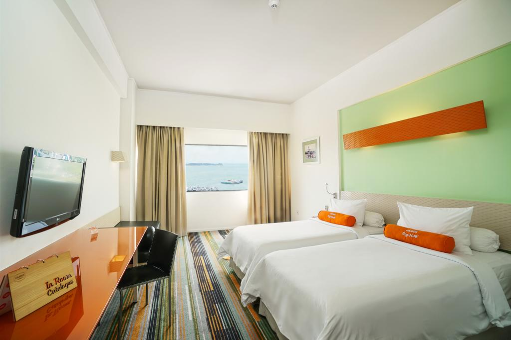 Batam | Harris Hotel Batam Center + Ferry