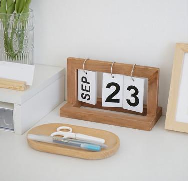 Wood Desk Calendar